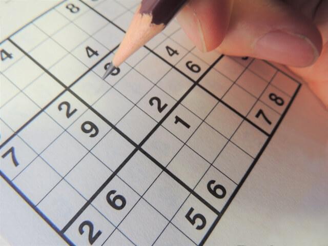 賢くなるパズルは答えを教えずに着実に思考力をアップ